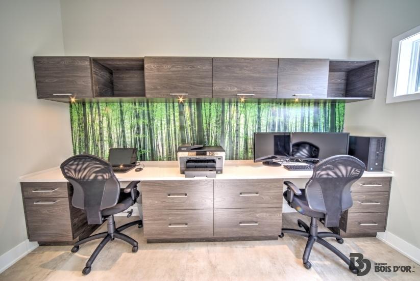 Bureau pour ordinateur mobiliers sur mesure banquette projet